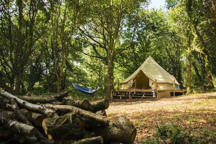 Gabriel, totally private 6m Bell Tent in woodland