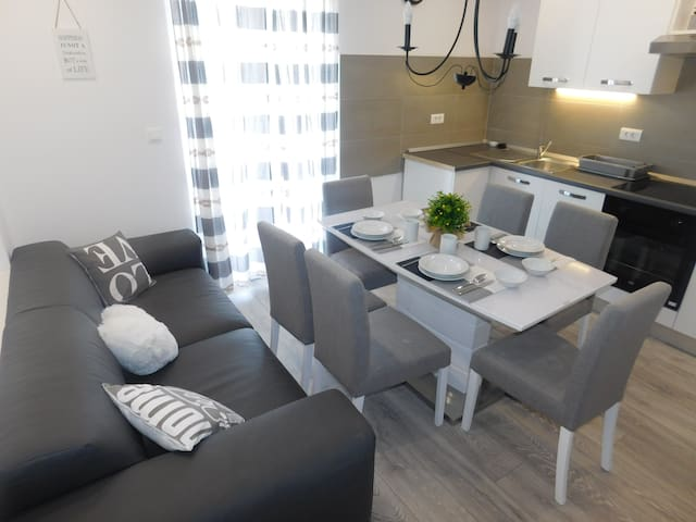 Brand new 2 bedroom apartment