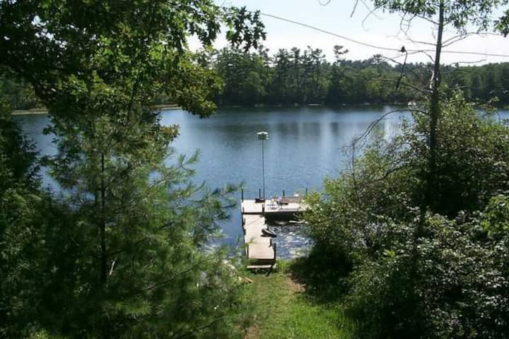 Chain O' Lakes Charmer!  Privacy AND convenience.