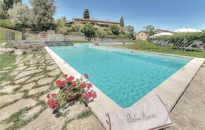 Holiday apartment with 2 bedrooms on 70m² in Montaione FI