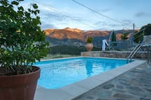 MOUNTAIN PARADISE  WITH PRIVATE POOL