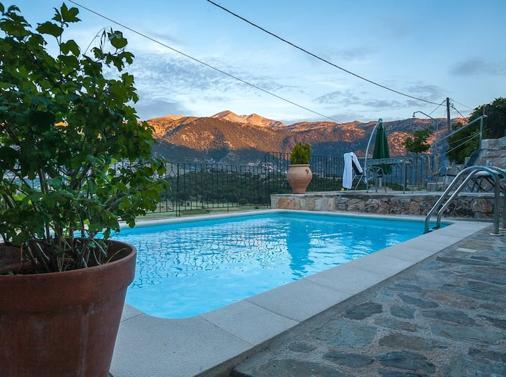 PERSONAL RETREAT SURROUNDED BY VIRGIN MOUNTAINS