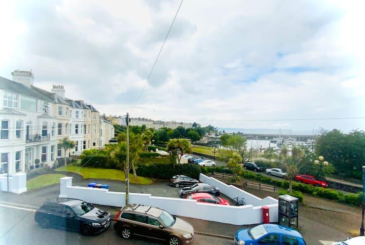 Apartment A . Town Centre • Sea views - 5 person