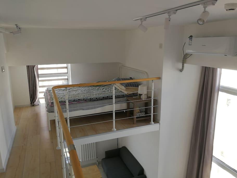 卧室在二层,太阳报被子晒得好舒服