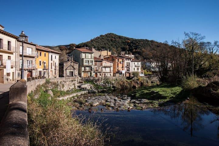 Can Mau - Sant Feliu de Pallerols - บ้าน