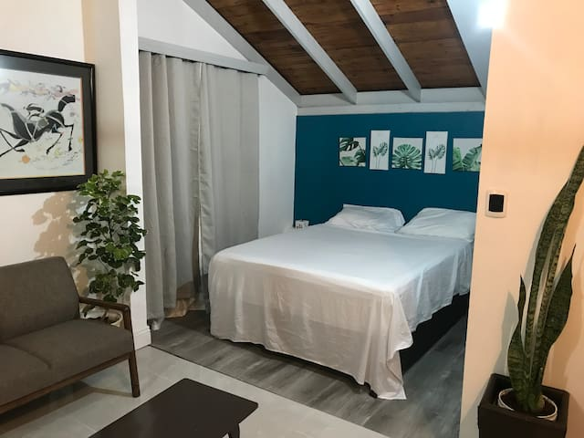 Ramel's Tropical Room 3B