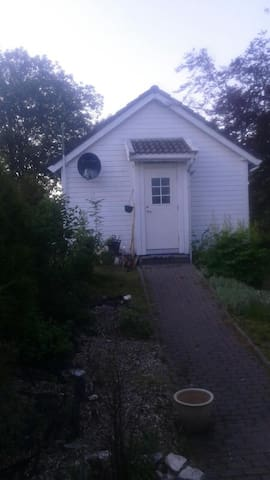 Cosy little house 15 min from Bergen (15jun-15oct) - Bergen - Casa