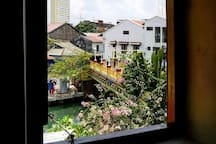 LEJU@21 - Explore Malacca from a Riverside house