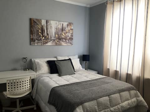 Private Room in Bronx, close to everything!