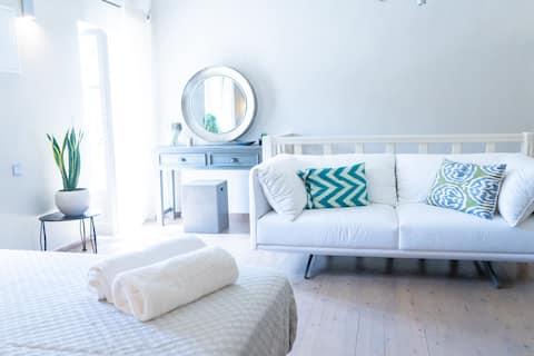 Anna Maria's, cozy studio in the heart of Fiscardo