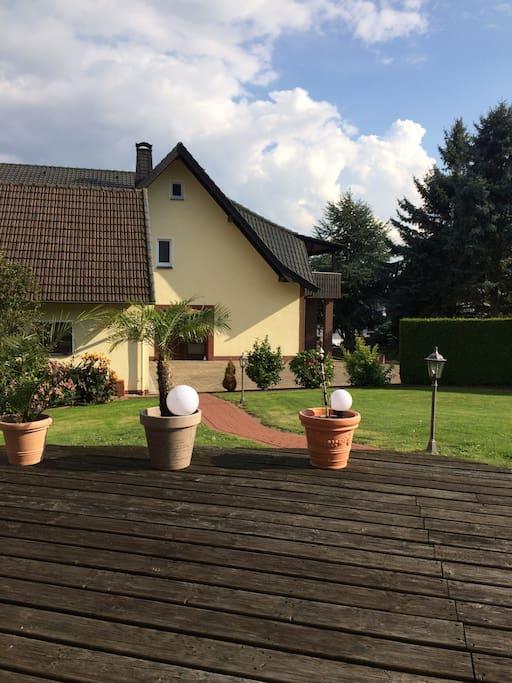 Hausansicht vom Garten!