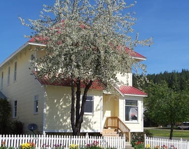 The Big Yellow House - Historic Roslyn, WA! - Roslyn - Ház