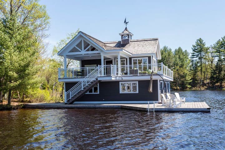 Boat House Muskoka - Port carling