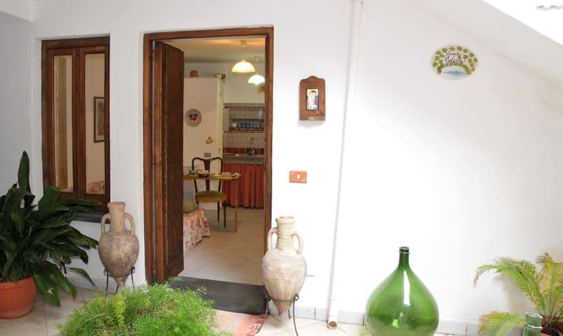 monolocale nel Parco marino Punta Campanella - Termini - Apartment