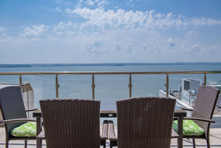 Apartament SunsetView Mamaia - Next to the Beach! - Mamaia, Constanța - อพาร์ทเมนท์