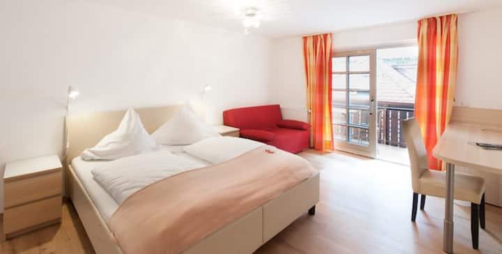 Hotel Anker, (Lindau am Bodensee), Doppelzimmer Klassik mit WC und Dusche