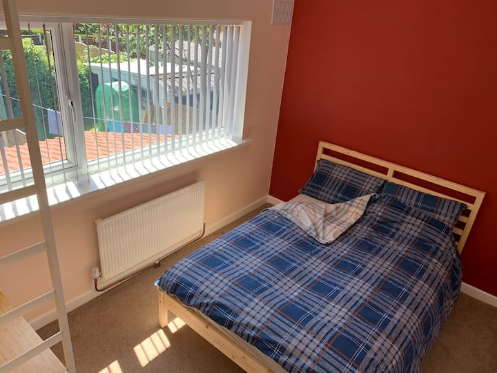 Perfect room in Manchester near tram and motorway