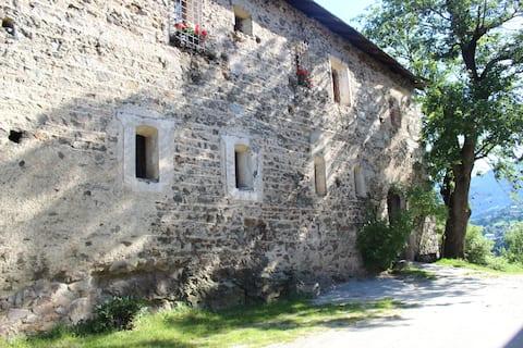 Urlaub am Bauernhof Schloss Gravetsch in Südtirol