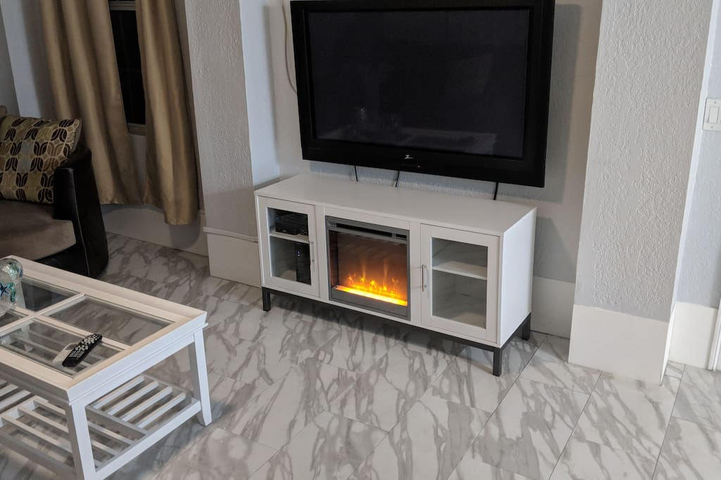 fire place with heat, not really needed this far south but it looks cool.