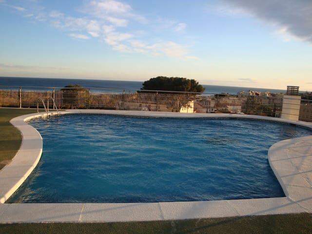 Apartamento con piscina en azotea