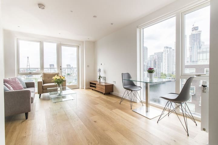 Perfect Choice 5*Apt in Canary Wharf  Near DLR