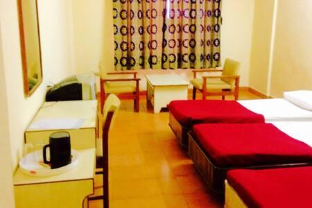 HRR SEC-BAD Budget Triple Room-1 - Hyderabad
