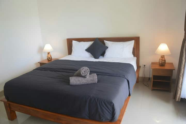 Wiryaroja Guesthouse Canggu