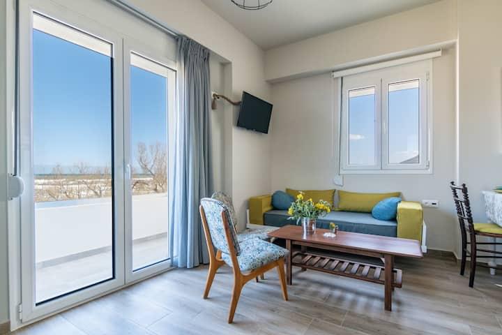 Kyma Apartment 1 on the beach of Episkopi Rethymno