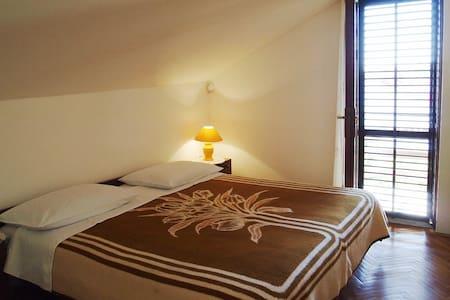Air-Conditioned Apartment for 4 - Barbat