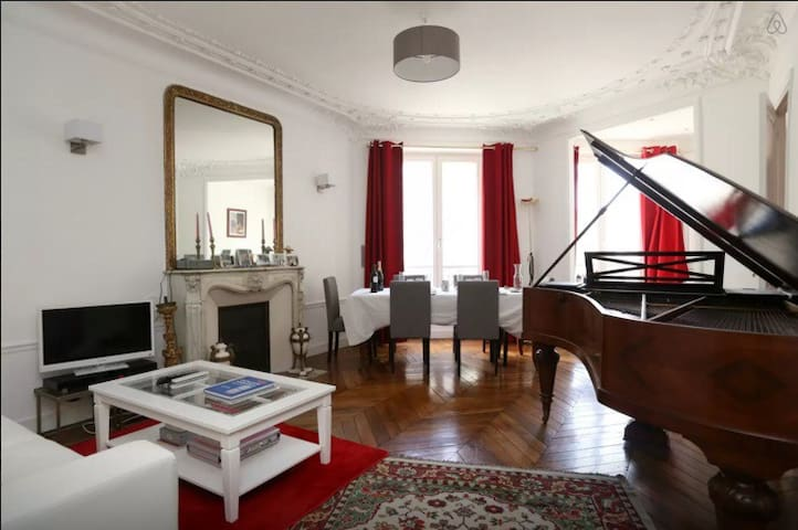 Home sweet home in Montmartre