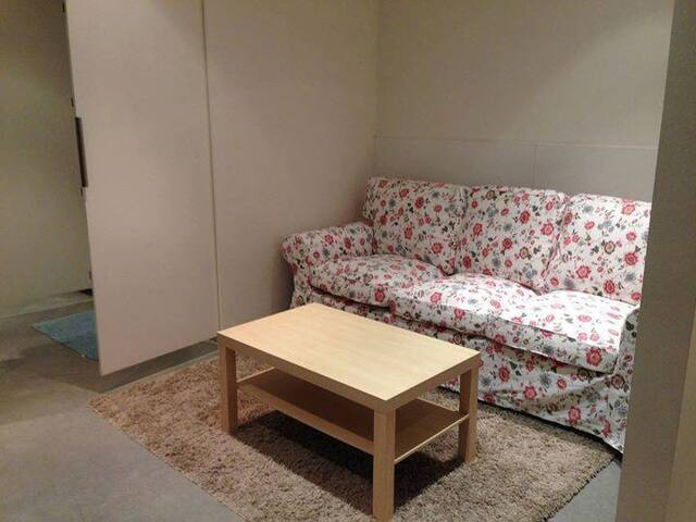SHORT TERM ON FEMALE BEDROOM, ULTIMO