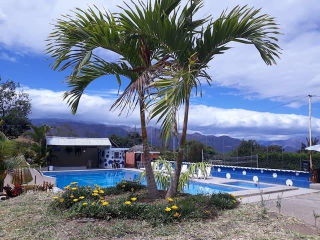 Hostería Cercaloma Valle de Yunguilla