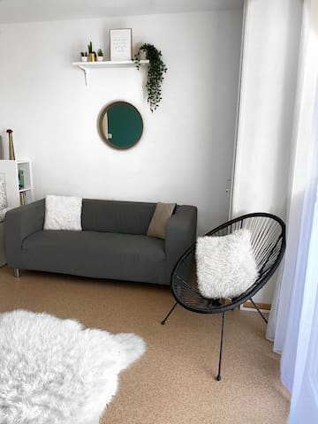 Large studio with balcony 7min from the center