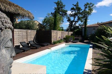 Villa BALI, class. 4*, adult only, wifi, AC, pool