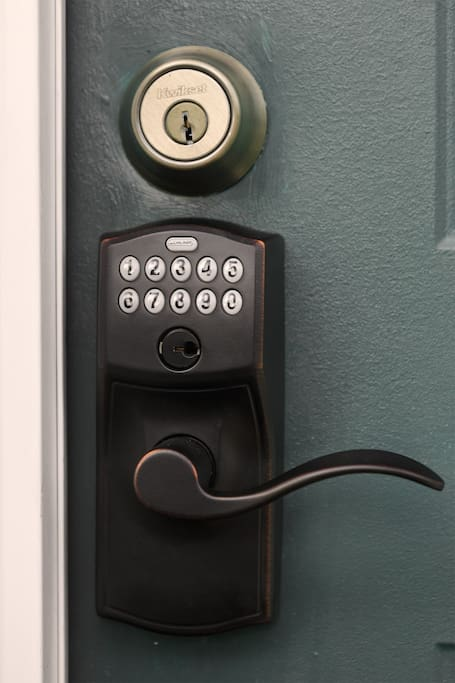 Keyless Lock - new code for each guest
