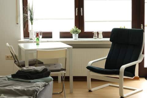 Schickes Apartment/Studio mit Terrasse und Garten
