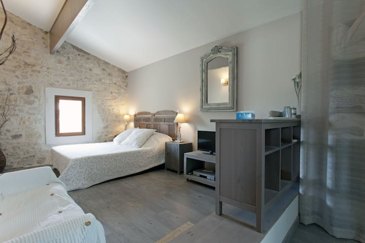Bed and breakfast in Mas of Village - Fournes - Penzion (B&B)
