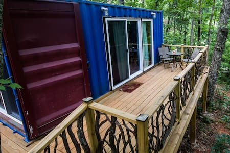 Sunrise Shipping Container-Tiny Home - Dahlonega - Kabin