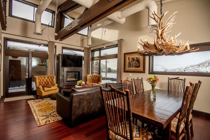Penthouse on Pearl - downtown Jackson, Wyoming