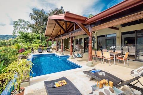 ¡Villa cómoda de lujo, vista excepcional al valle!