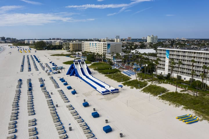 Live in Style at Tradewinds, Gulf Front Studio