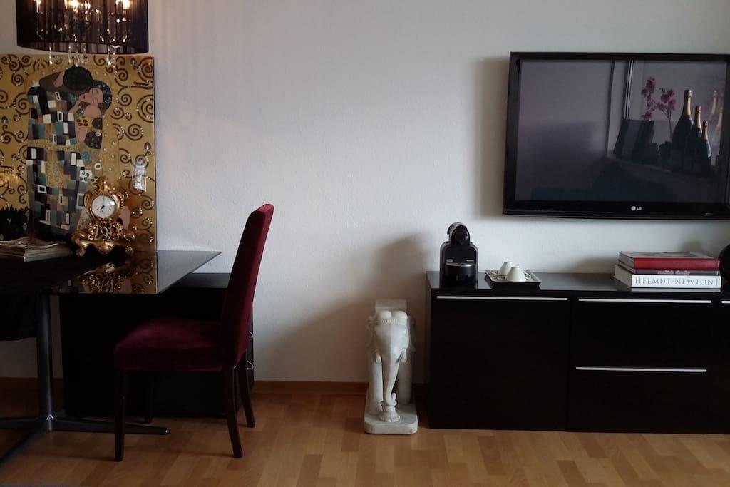 ausblick ins gr ne n he frankfurt ezb airport wohnungen zur miete in offenbach am main. Black Bedroom Furniture Sets. Home Design Ideas
