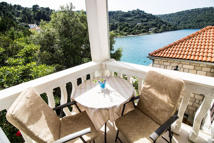 Aloha Mljet, apartment THREE for 2p