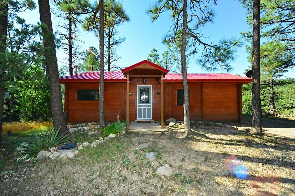 Cowboy 39 s bluff cottages for rent in ruidoso for 6 bedroom cabins in ruidoso nm
