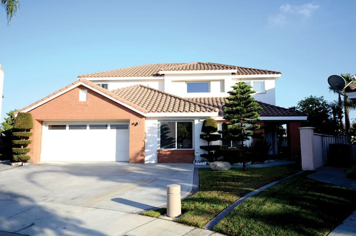 Entire House for rent. CA 91748 - Rowland Heights - Casa