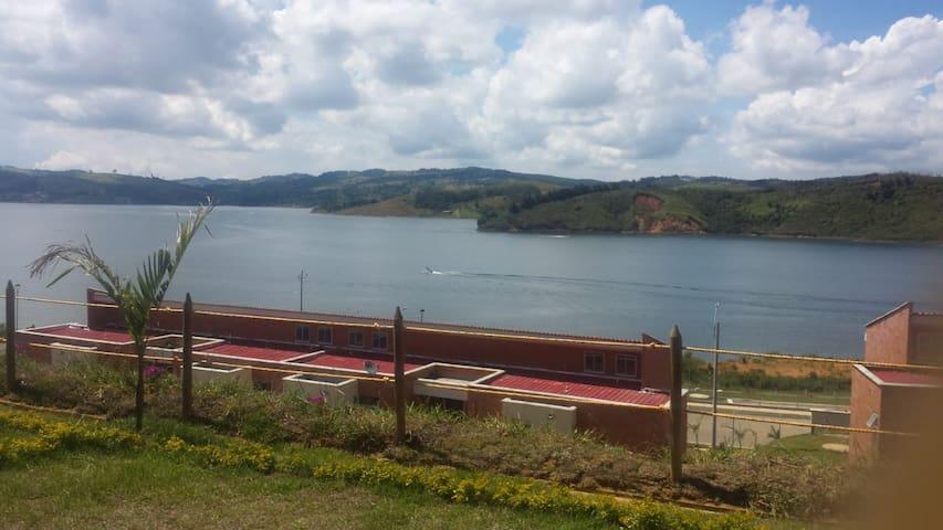 Majagua - Lago Calima