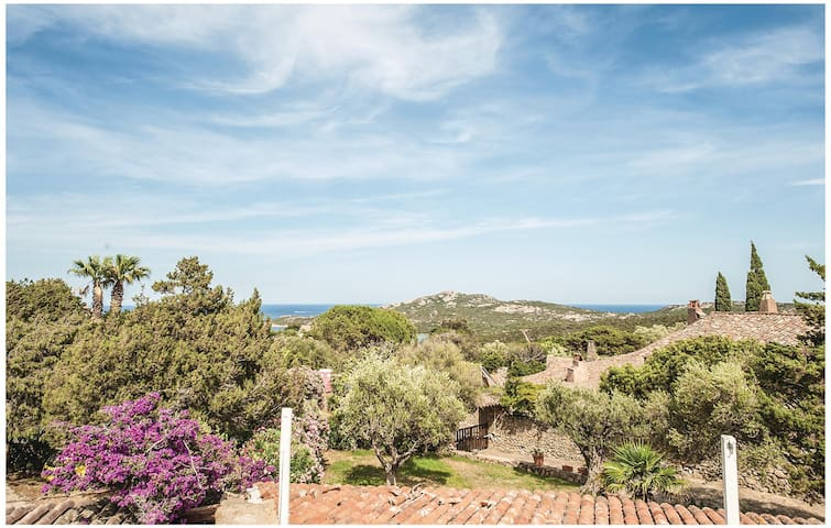Holiday cottage with 3 bedrooms on 110 m² in Porto Cervo OT