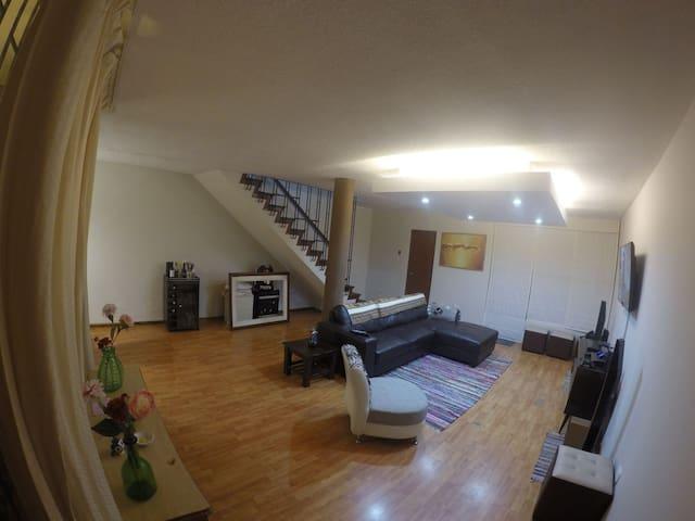 Habitacion en casa centrica