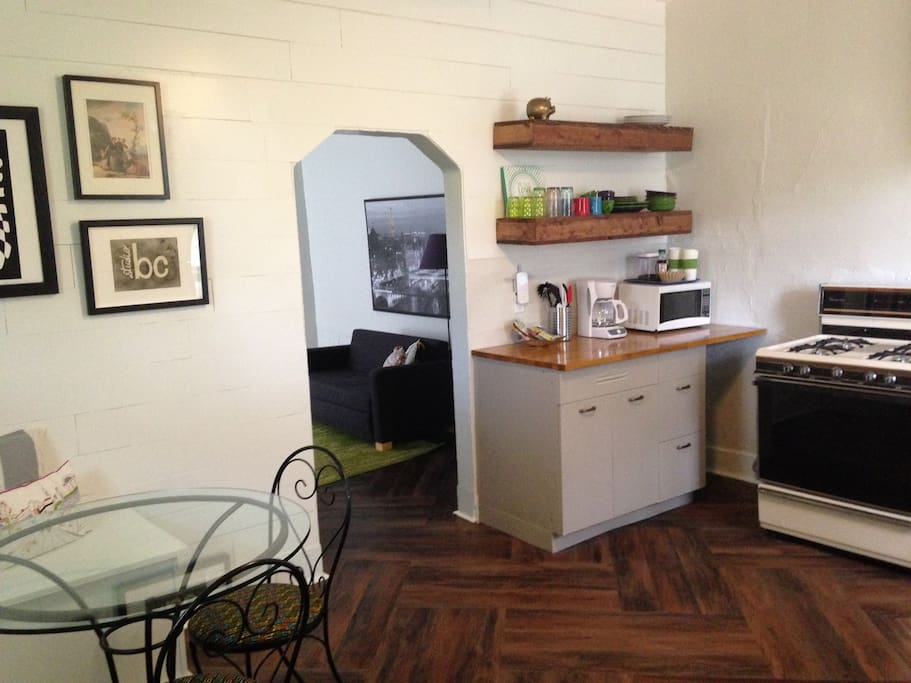 Enter into the full-sized eat in kitchen