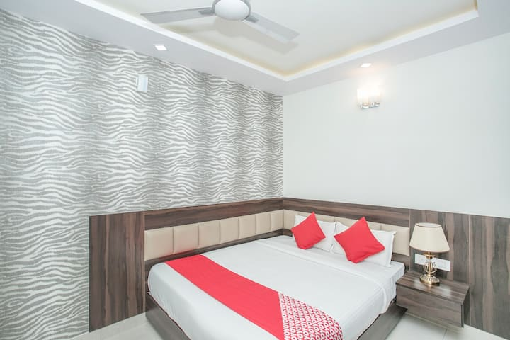 OYO Capital O Well-Equipped 1BR Hotel
